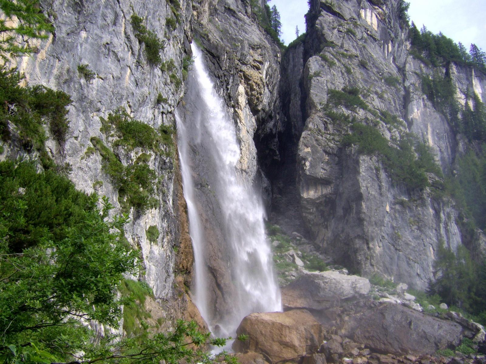 Cascata di Gares