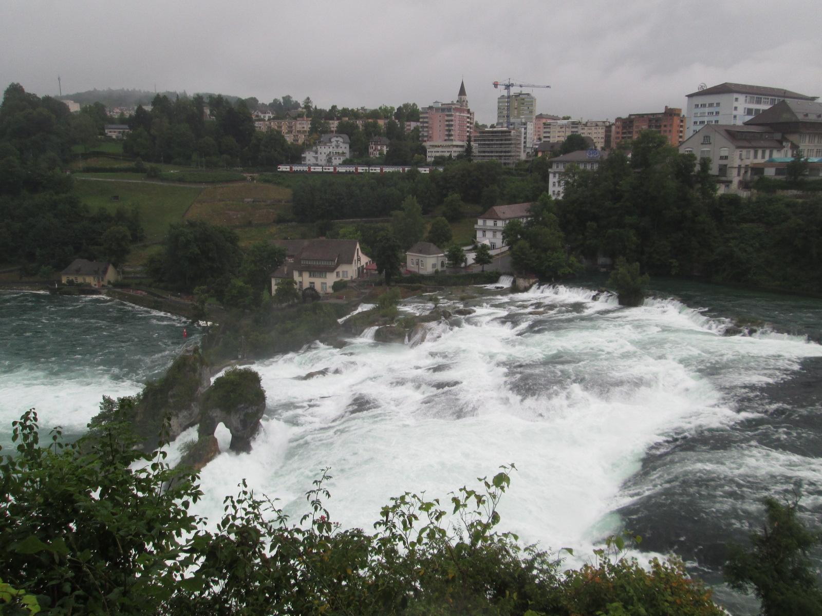 le maestose cascate del Reno