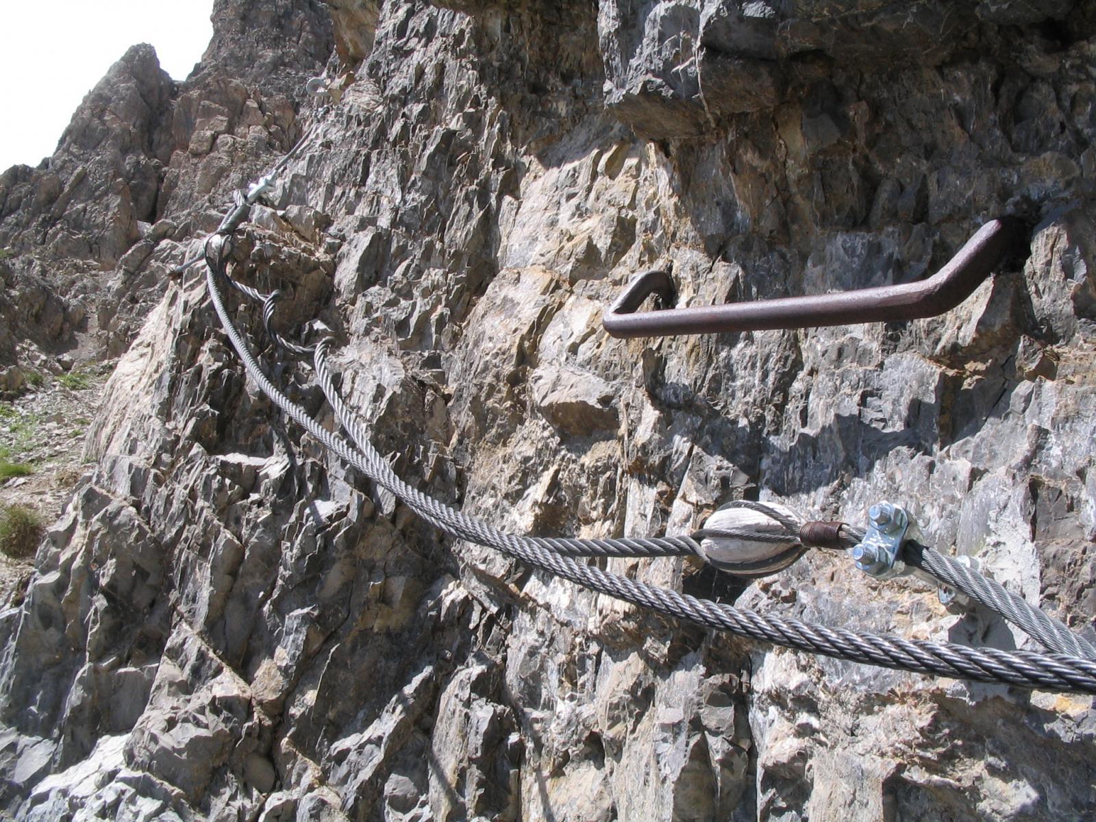 Un dettaglio del cavo magnificamente restaurato. Notare il chiodo nuovo scintillante e il maniglione di epoche passate.