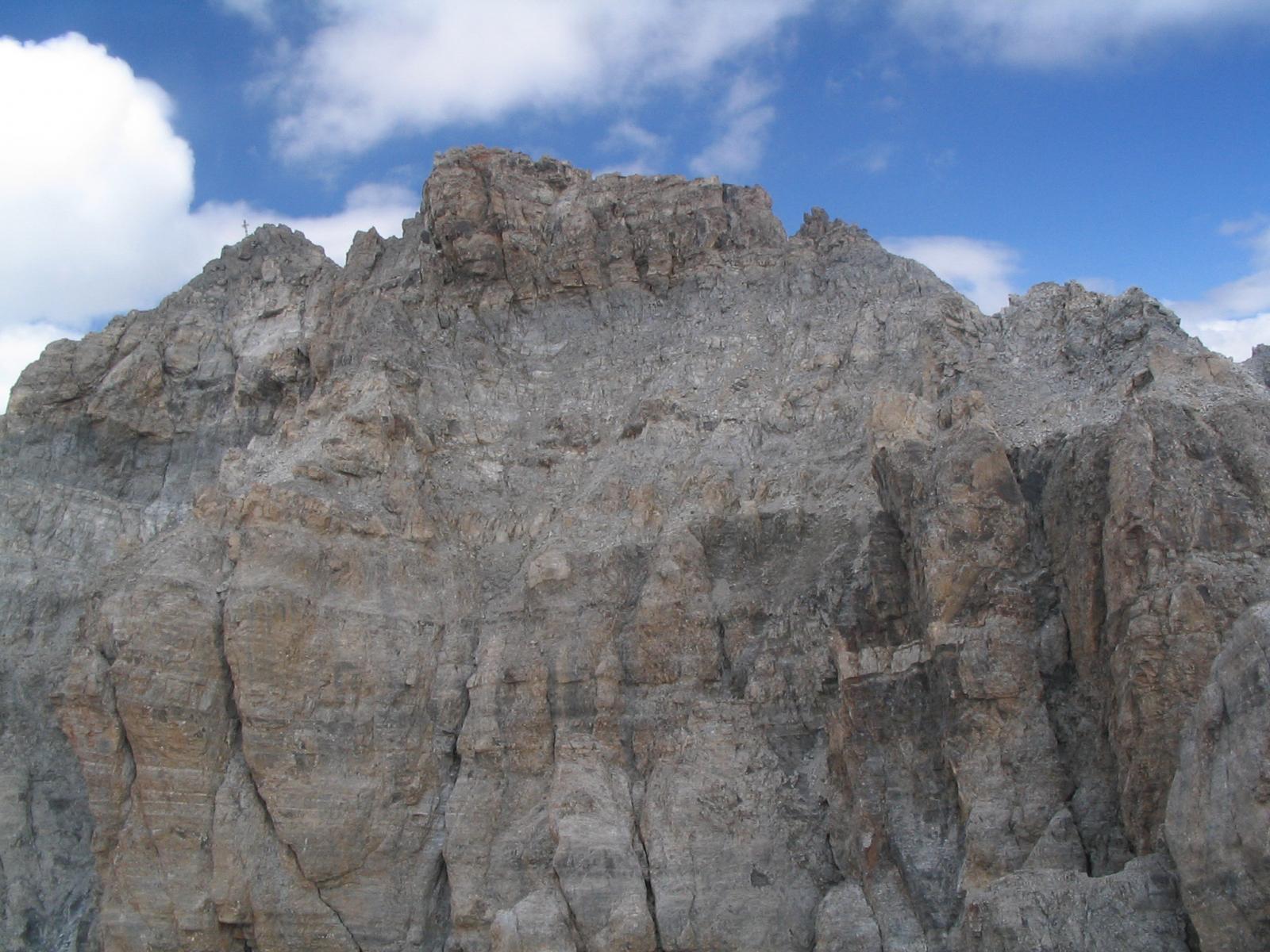 La vetta dell'Oronaye, vista dal Monte Dronero (cima della ferrata)
