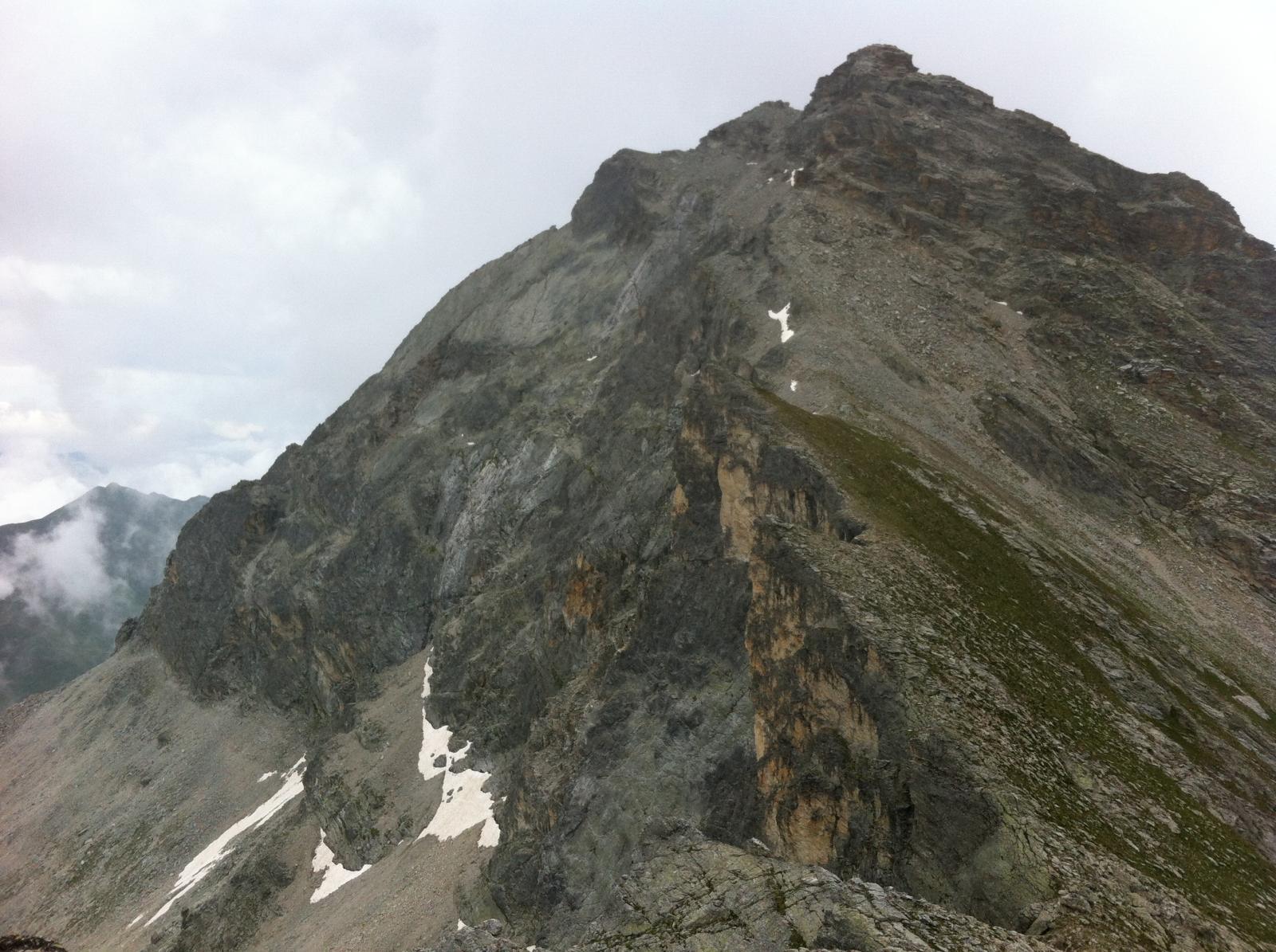 la cresta ONO del pelvo dal bric Camosciera