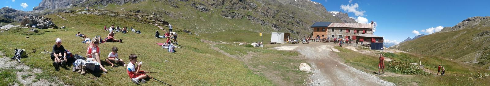 pranzo al Benevolo,decine di escursionisti in zona...