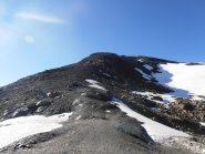 10 - Dal Col Pontonnet gli ultimi ghiaioni con traccia per la cima