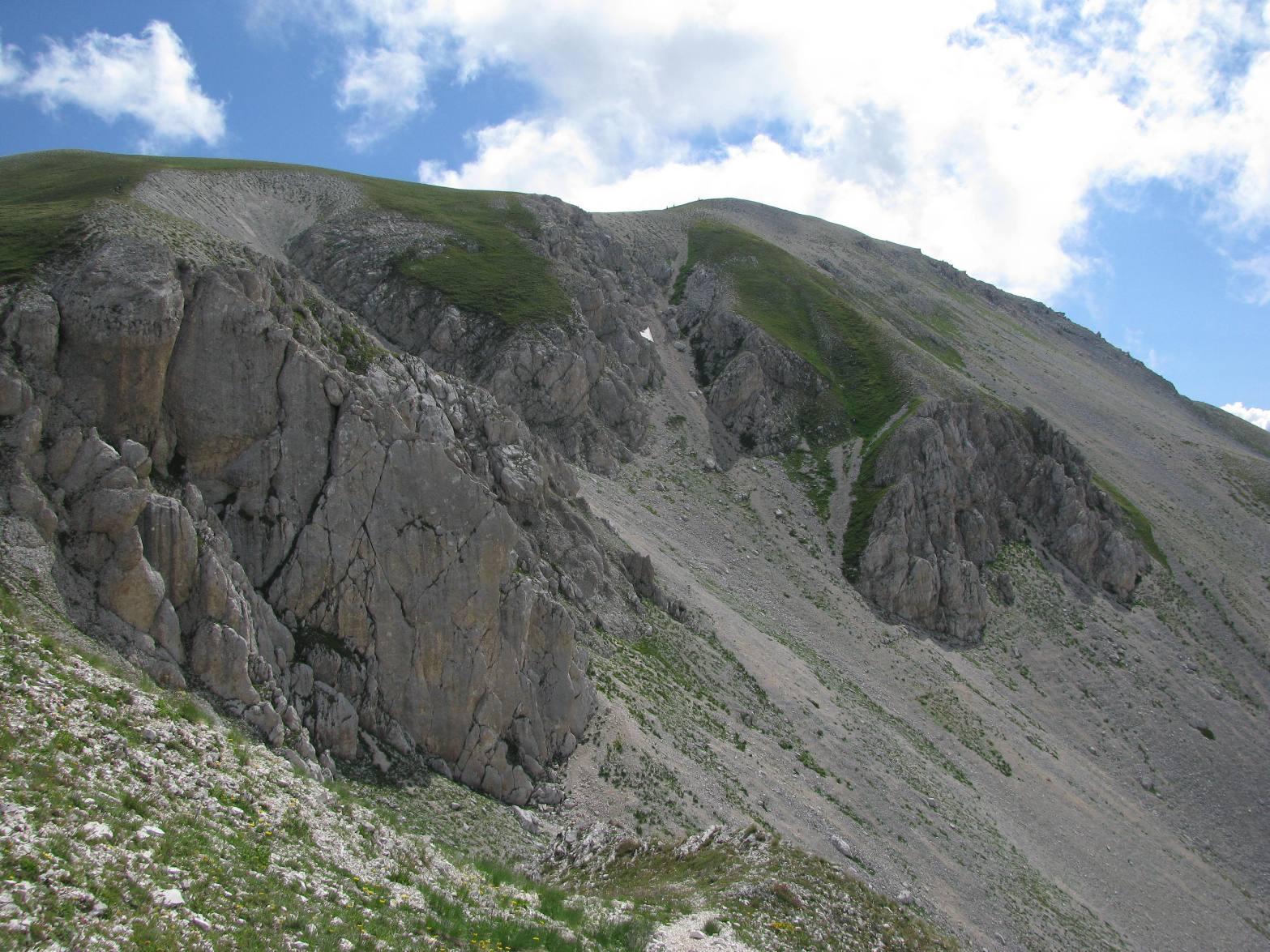 La facile dorsale del Monte Aquila
