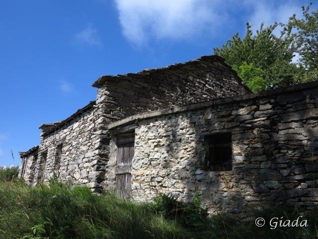 Case al bivio per Viozene a Biranco