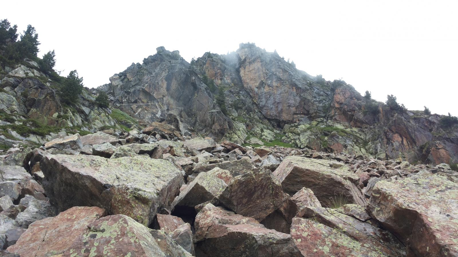 le pietraie sotto il Monte Taf