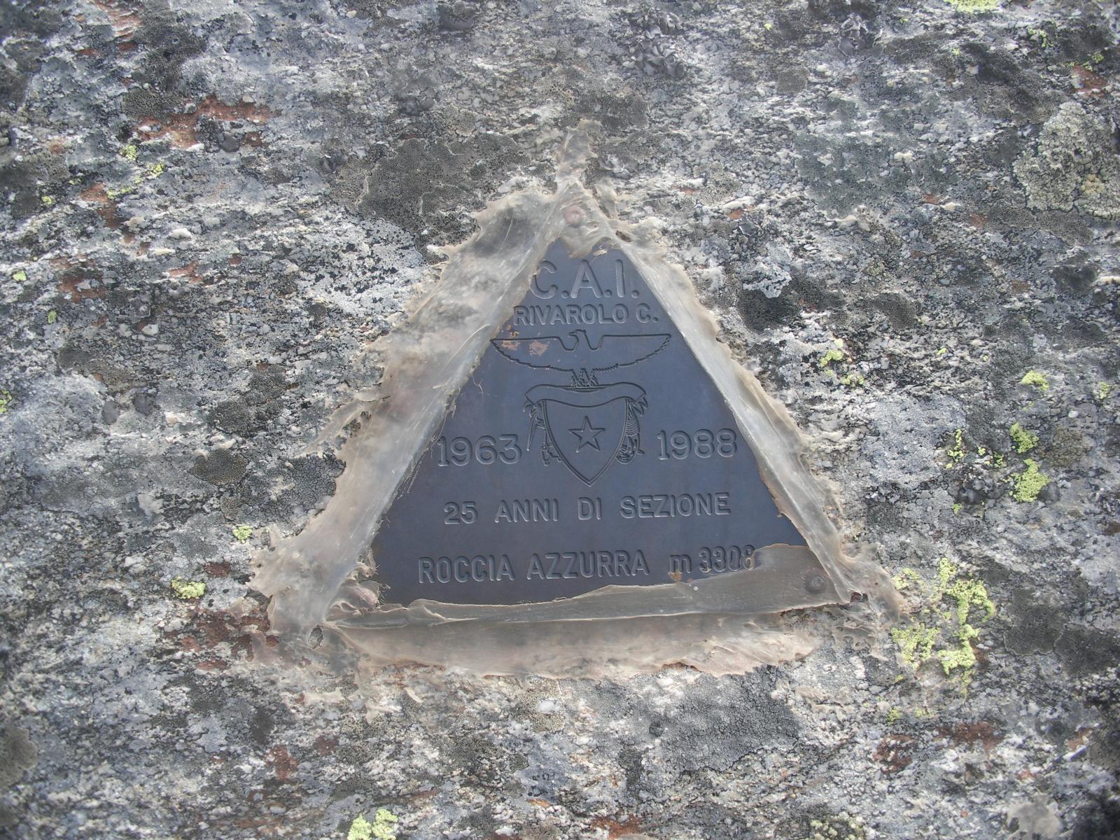 ..e il suo triangolino..
