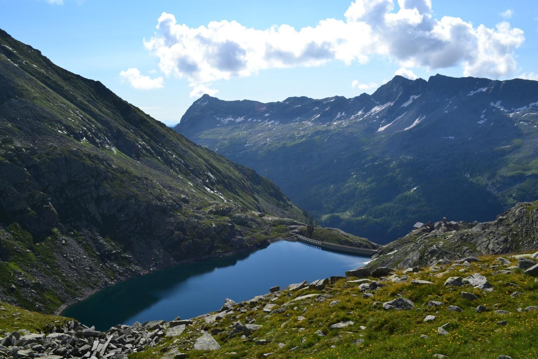 il Lago di Cingino visto salendo al passo