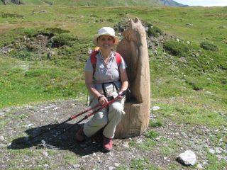 mia moglie con una scultura