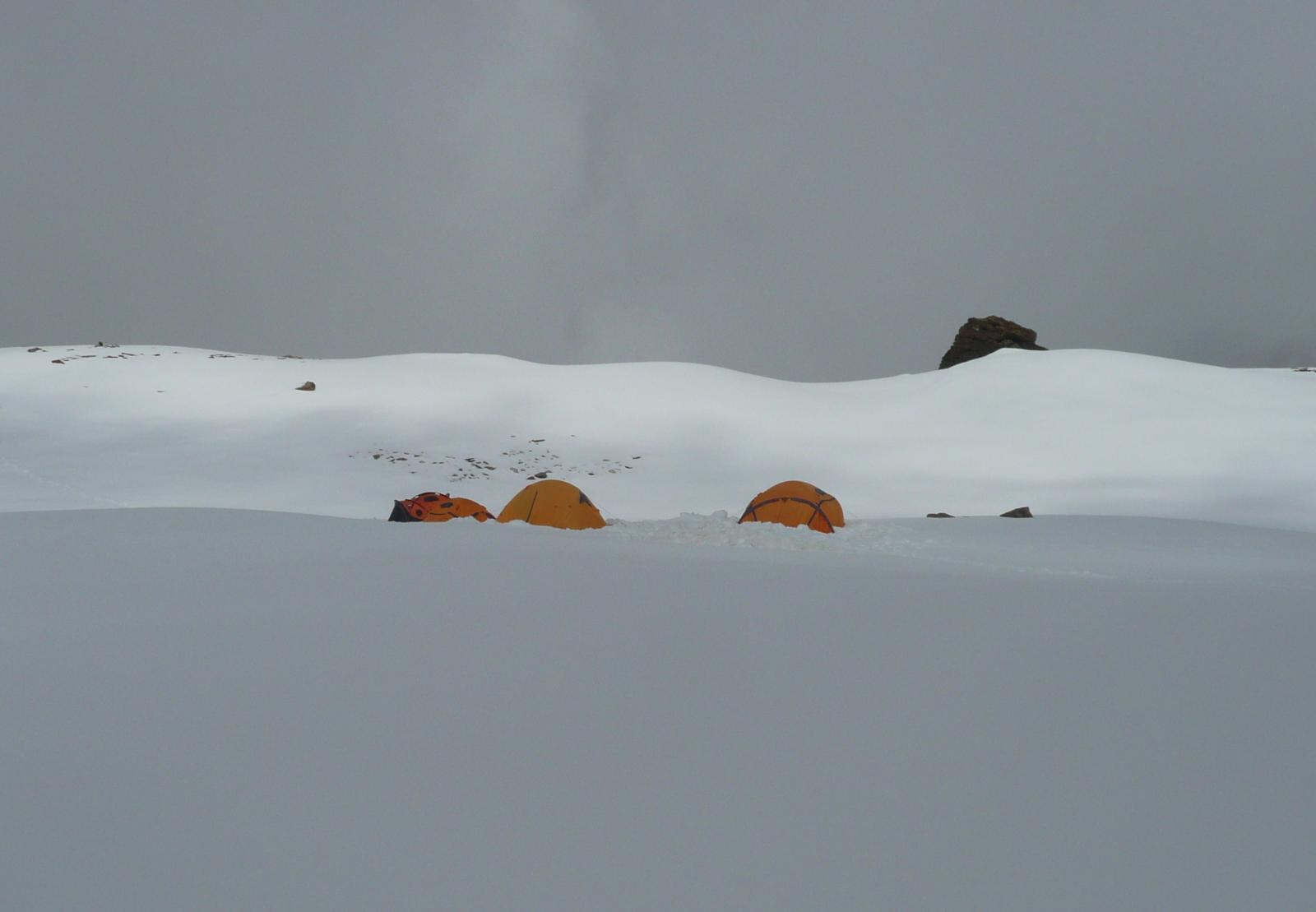le tende del campo Ferrino, molto himalayano