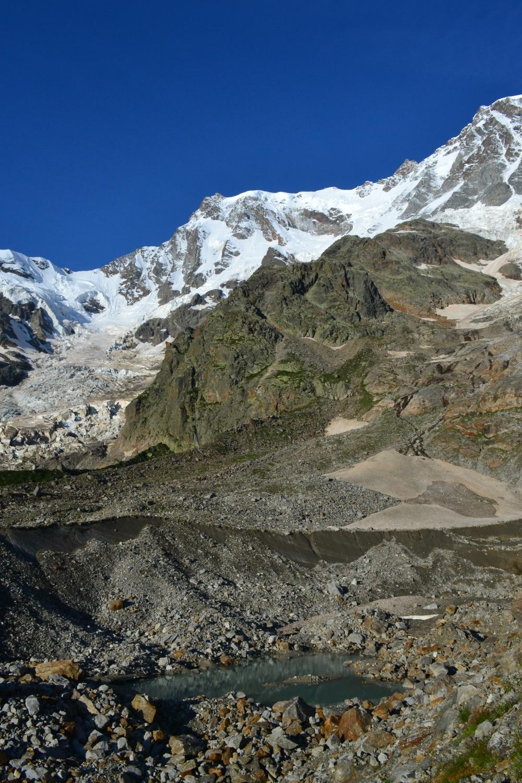 tratto del percorso sulla morena del ghiacciaio