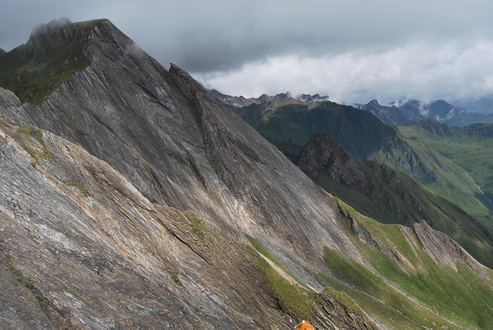 Scurito dalle nubi, il Creton du Midi