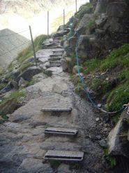 il sentiero attrezzato verso il rif. Nacatuli