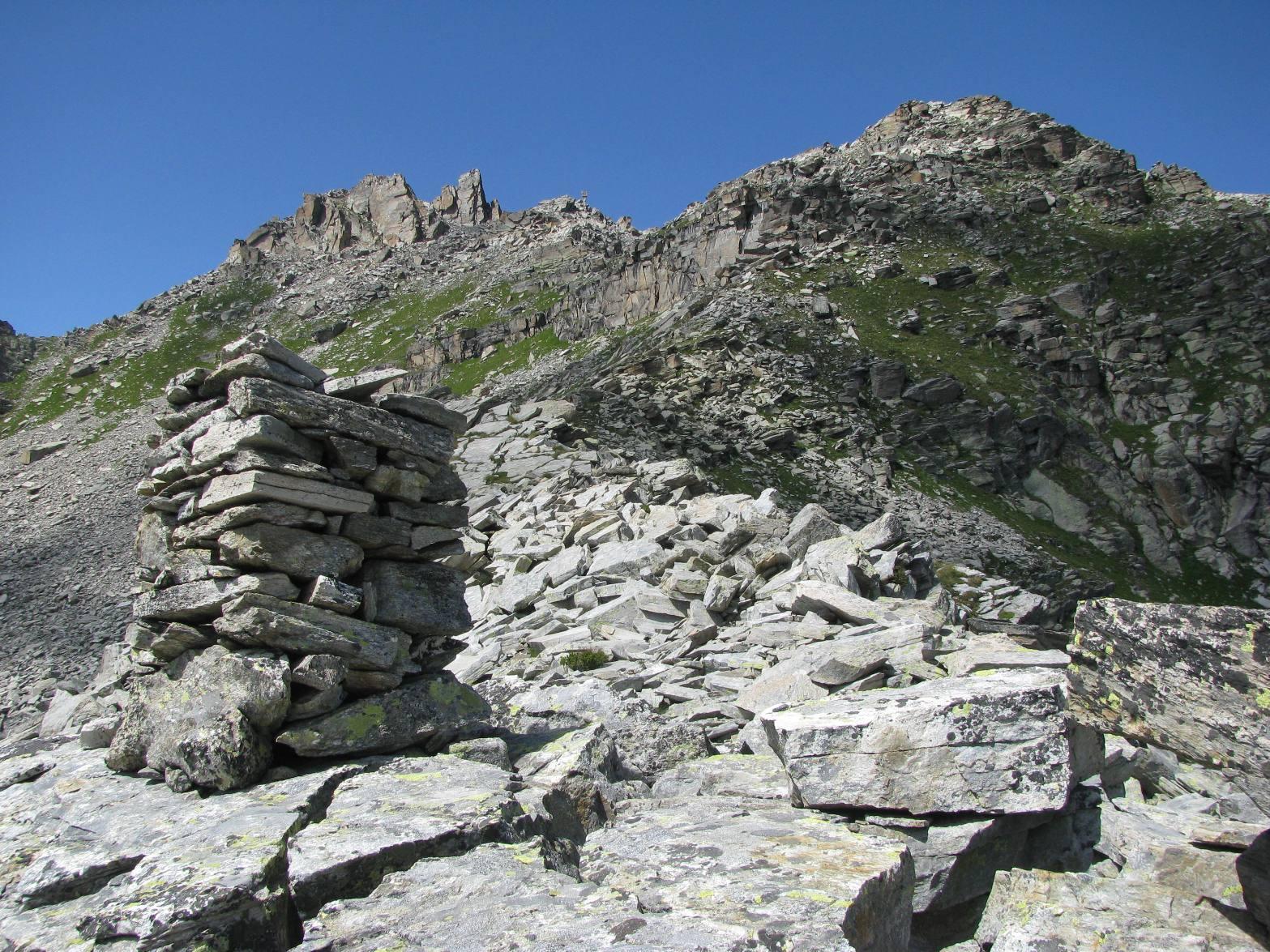Ometto a quota 2625, sulla cresta spartiacque Lanzo-Locana