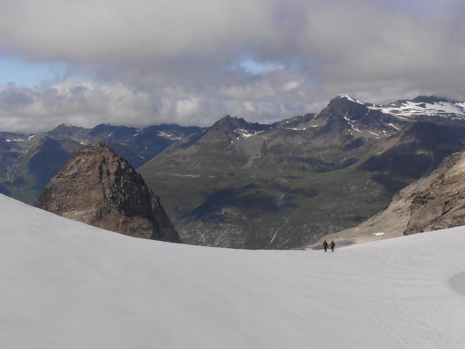 06 - Scendendo a valle sul Glacier du Grand Mean