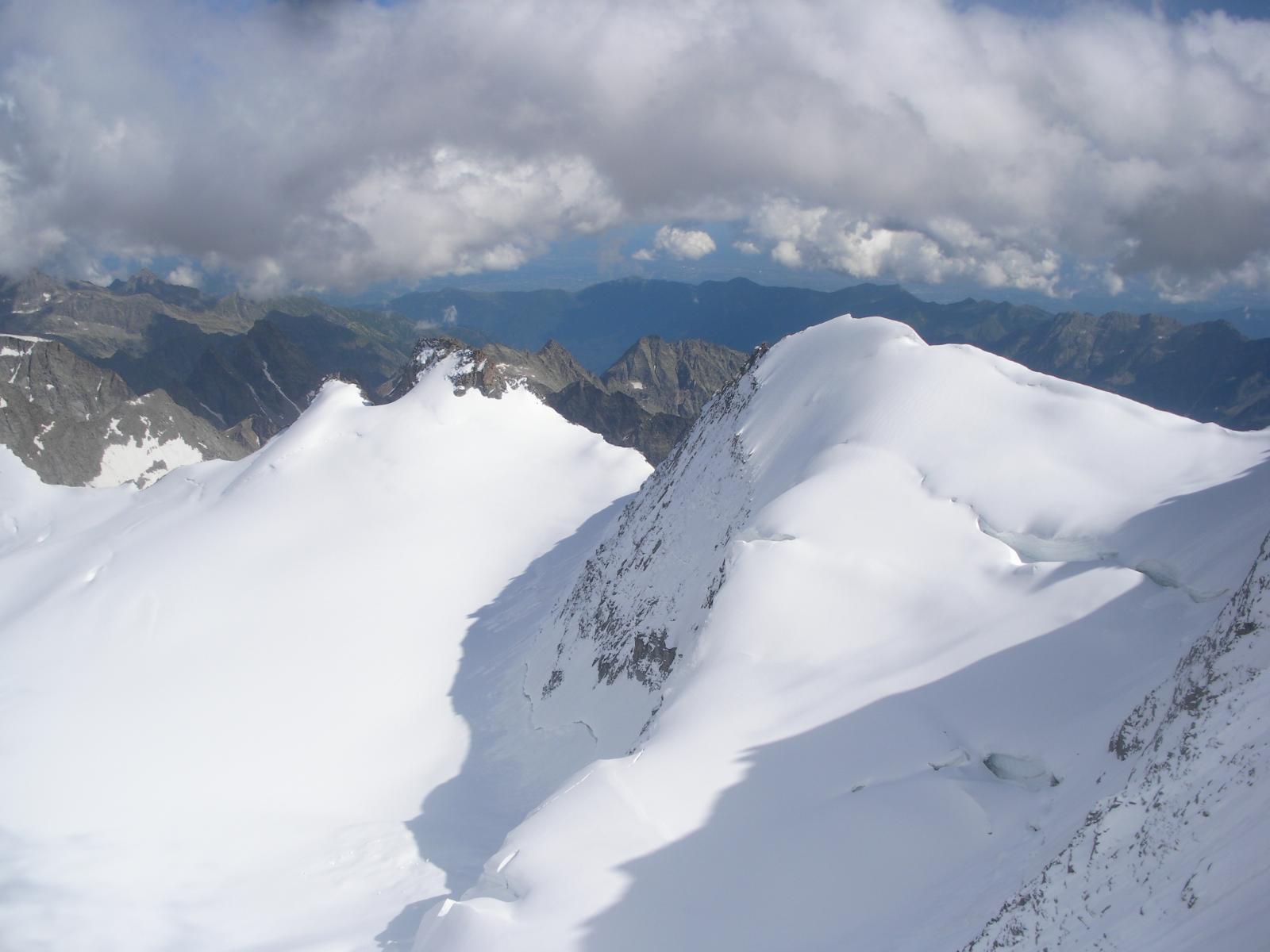 un occhiata al ghiacciaio della Tribolazione..oggi in candeggina..