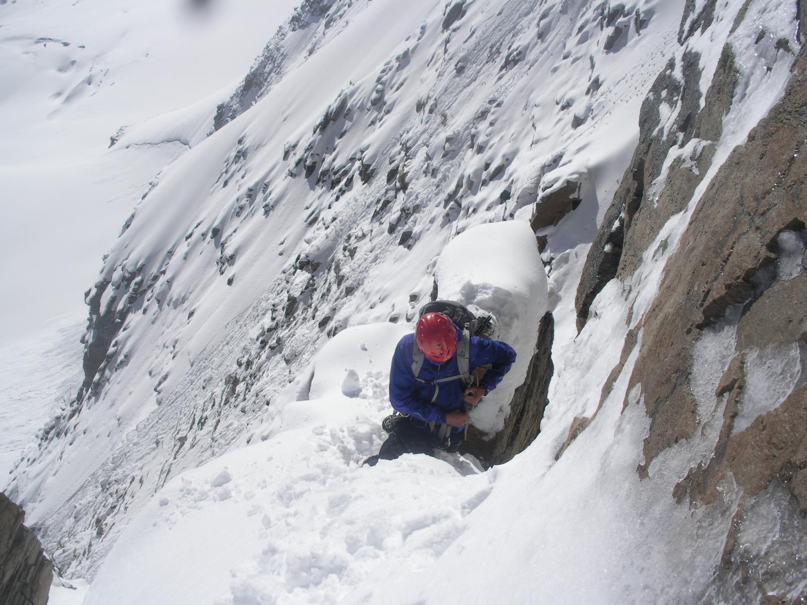 sul lato Cogne e' inverno pieno con tanta troppa neve fresca ovunque..