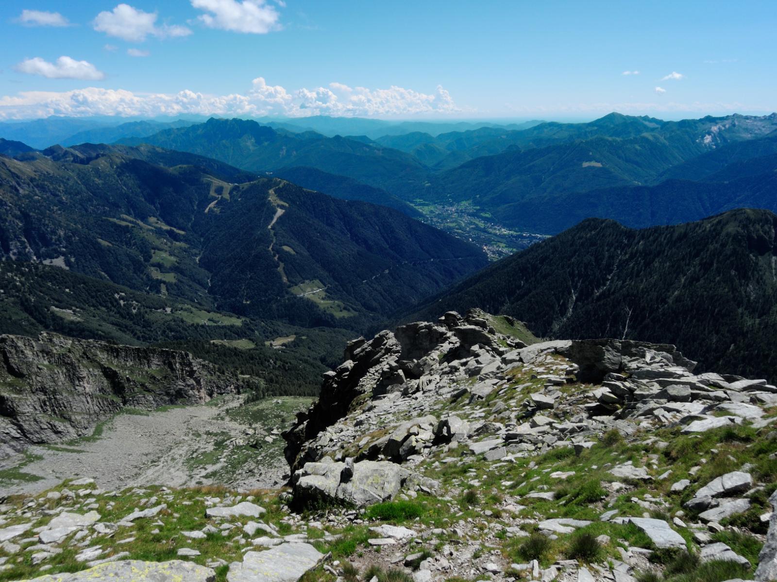 Vista su Alpe Forno, Piana di Vigezzo e fondovalle vigezzino