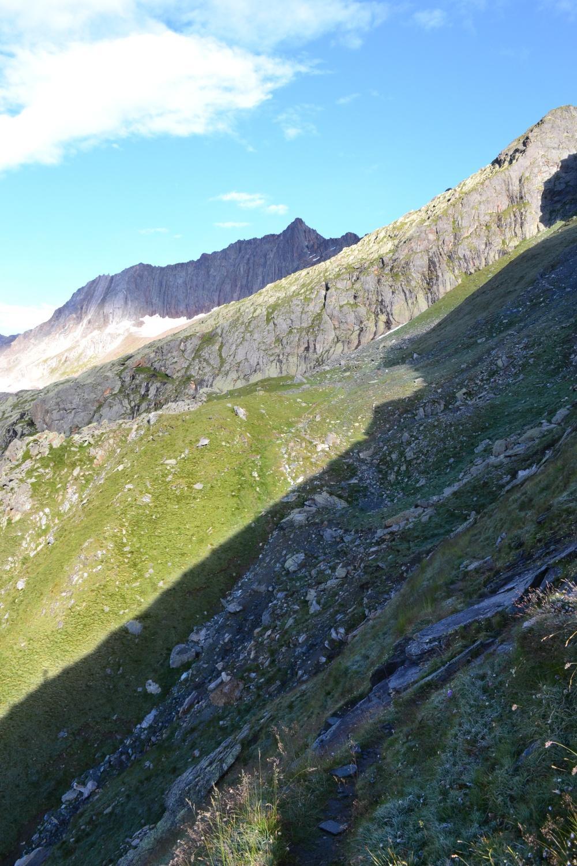 il sentiero s'inoltra nella Zwischbergental