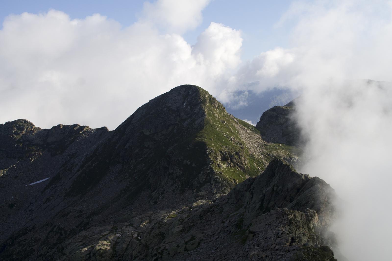 Punta Balma con la cresta che porta al colle.