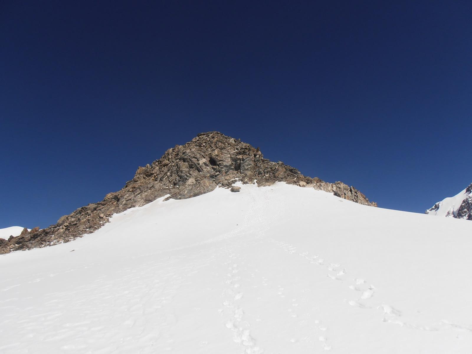 10 - sotto le ultime roccette per raggiungere la cima