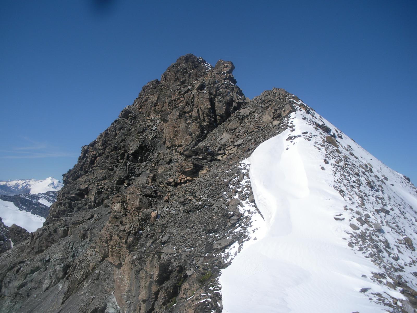 La P.Bassac sud e la sua cresta nord..