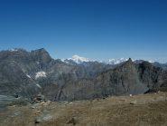 A Col Leynir appare il Monte Bianco