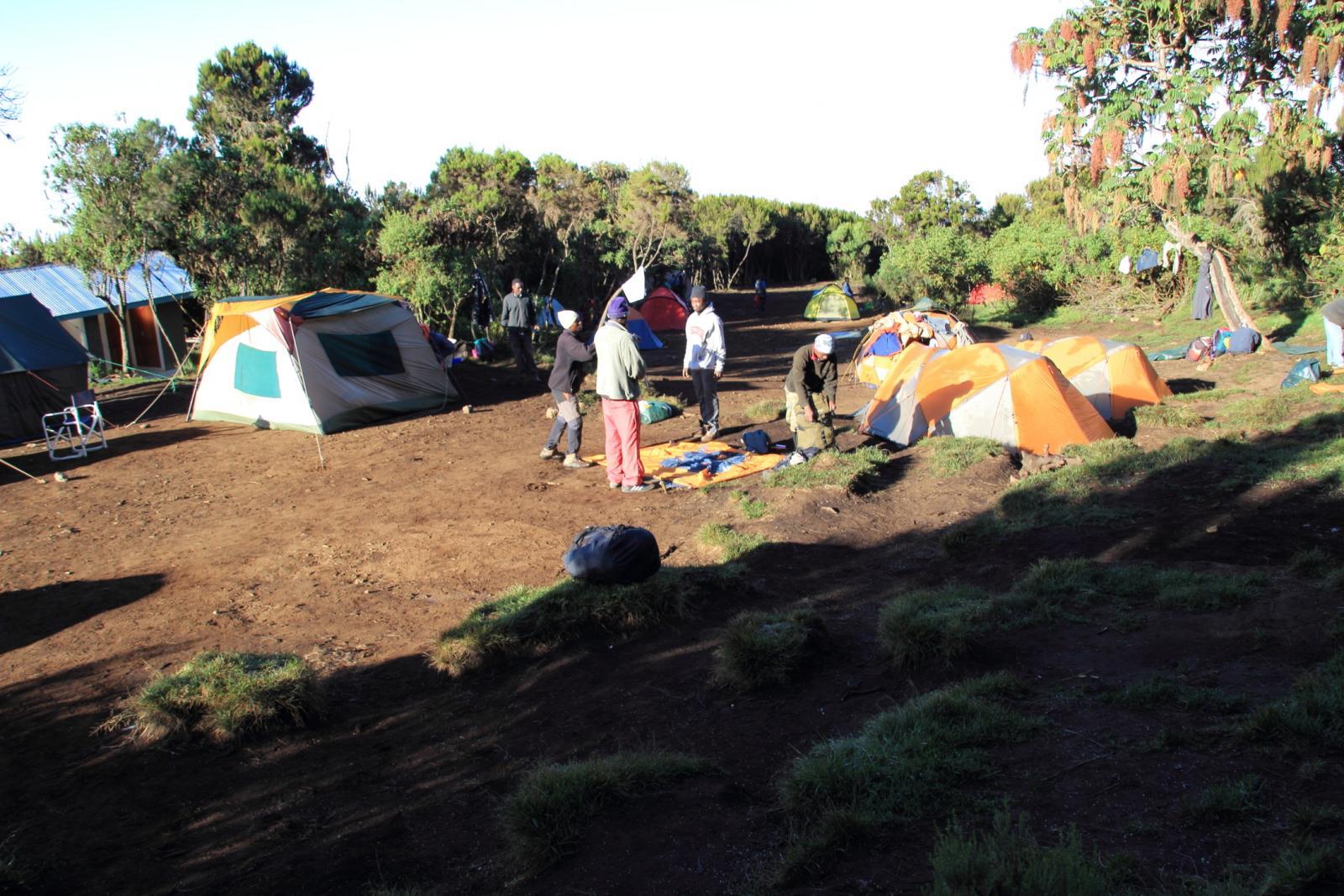 il pianoro dove si trova il Machame Camp (22-8-2014)