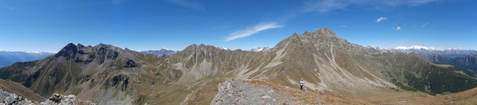 oltre il colle Lechè verso la vetta,panorami estesi ....