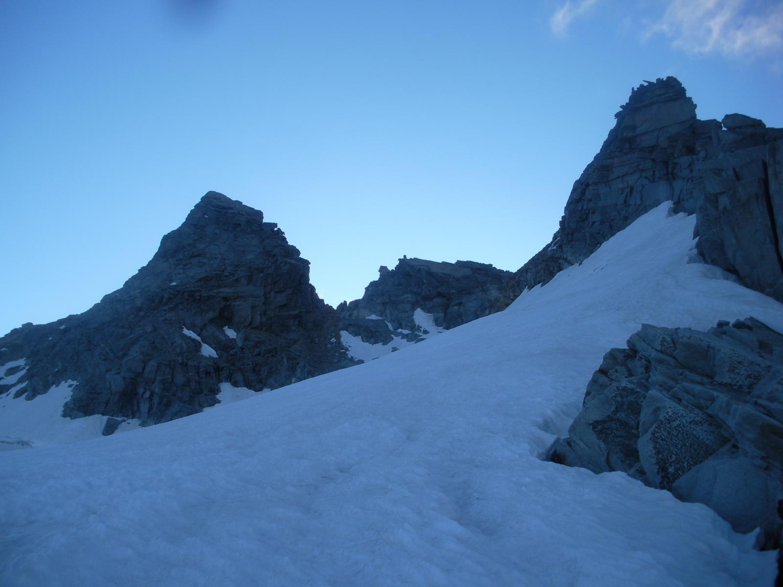 A sx la P.di Mezzenile dal Col du Gran Mean..
