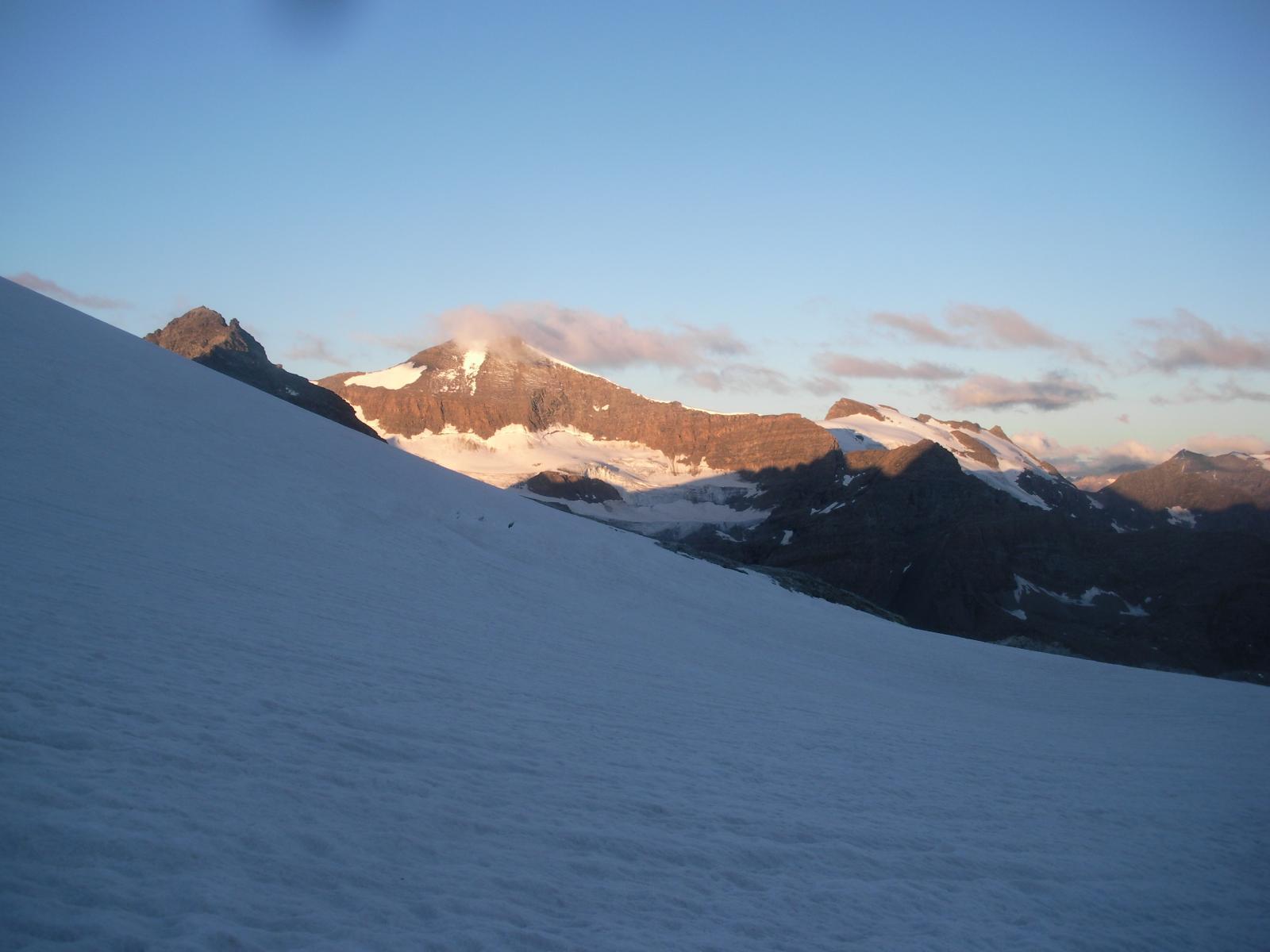 L'Albaron di Savoia dal  Glacier du Gran Mean all'alba..