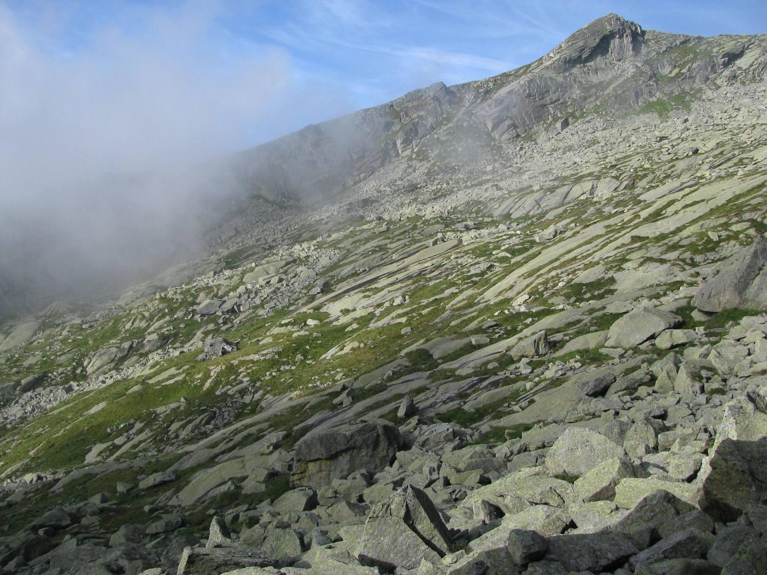 Alla nostra sinistra, l'Alpe Ciavalin