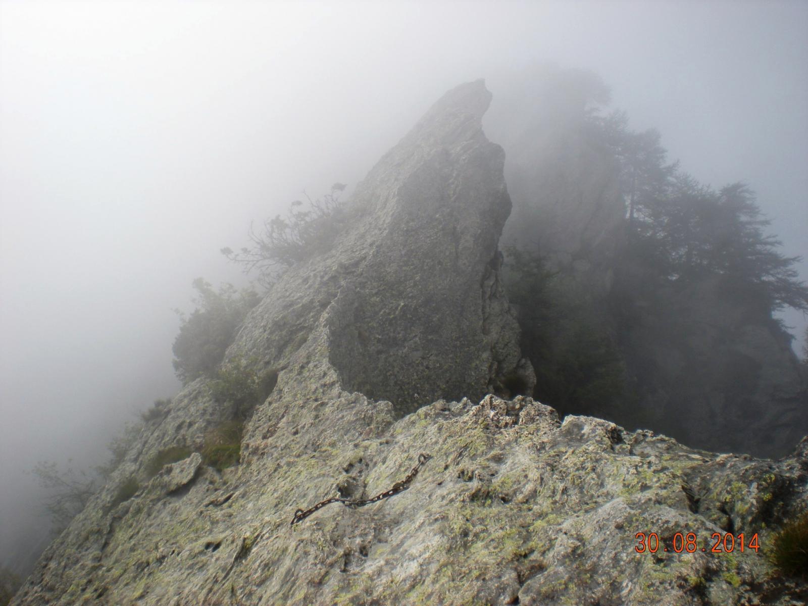 cresta d'arrivo nella nebbia... degna della Terrain d'aventure