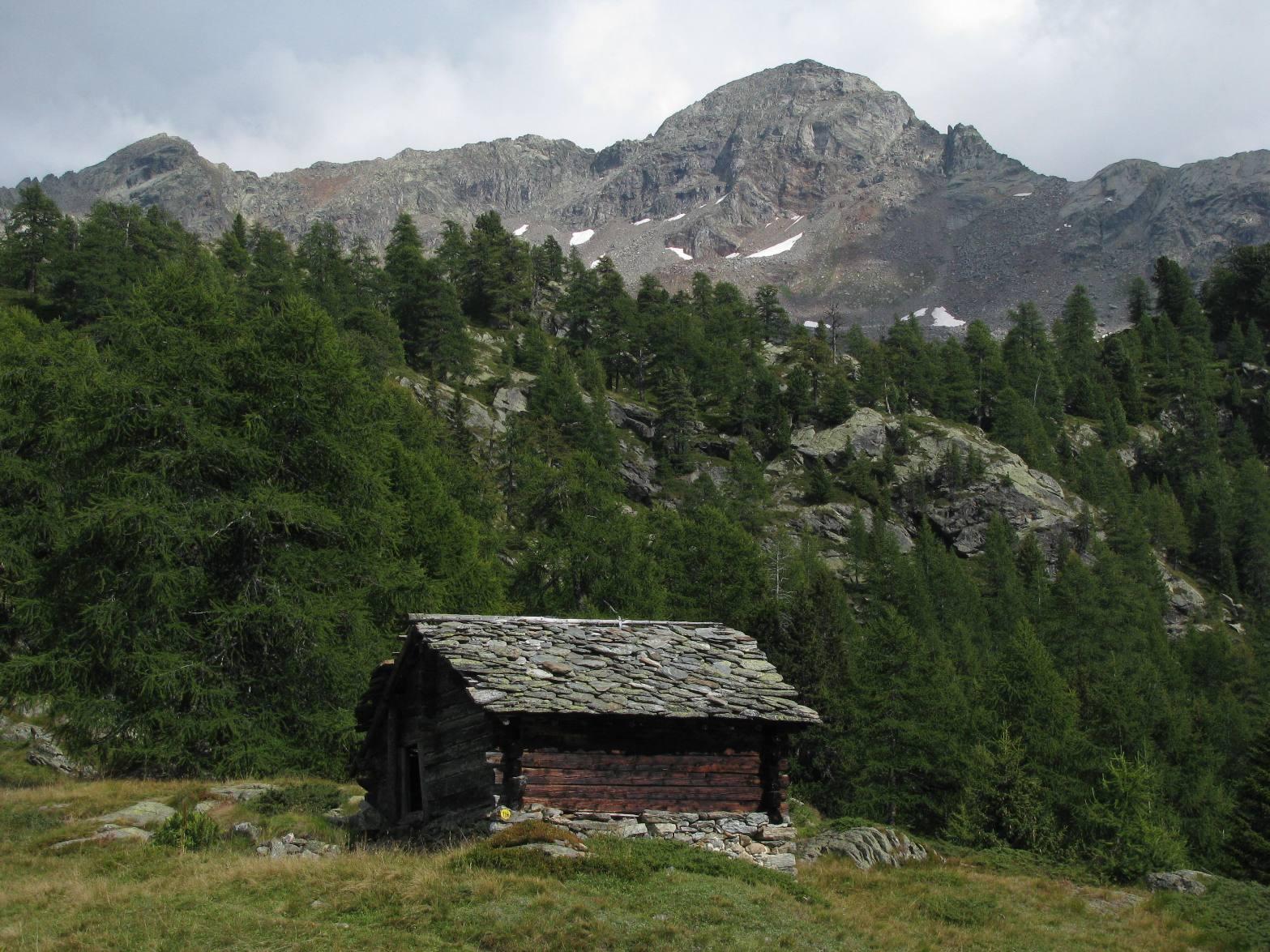 Punta Carestia o Corno Rosso (Ròthòrn)