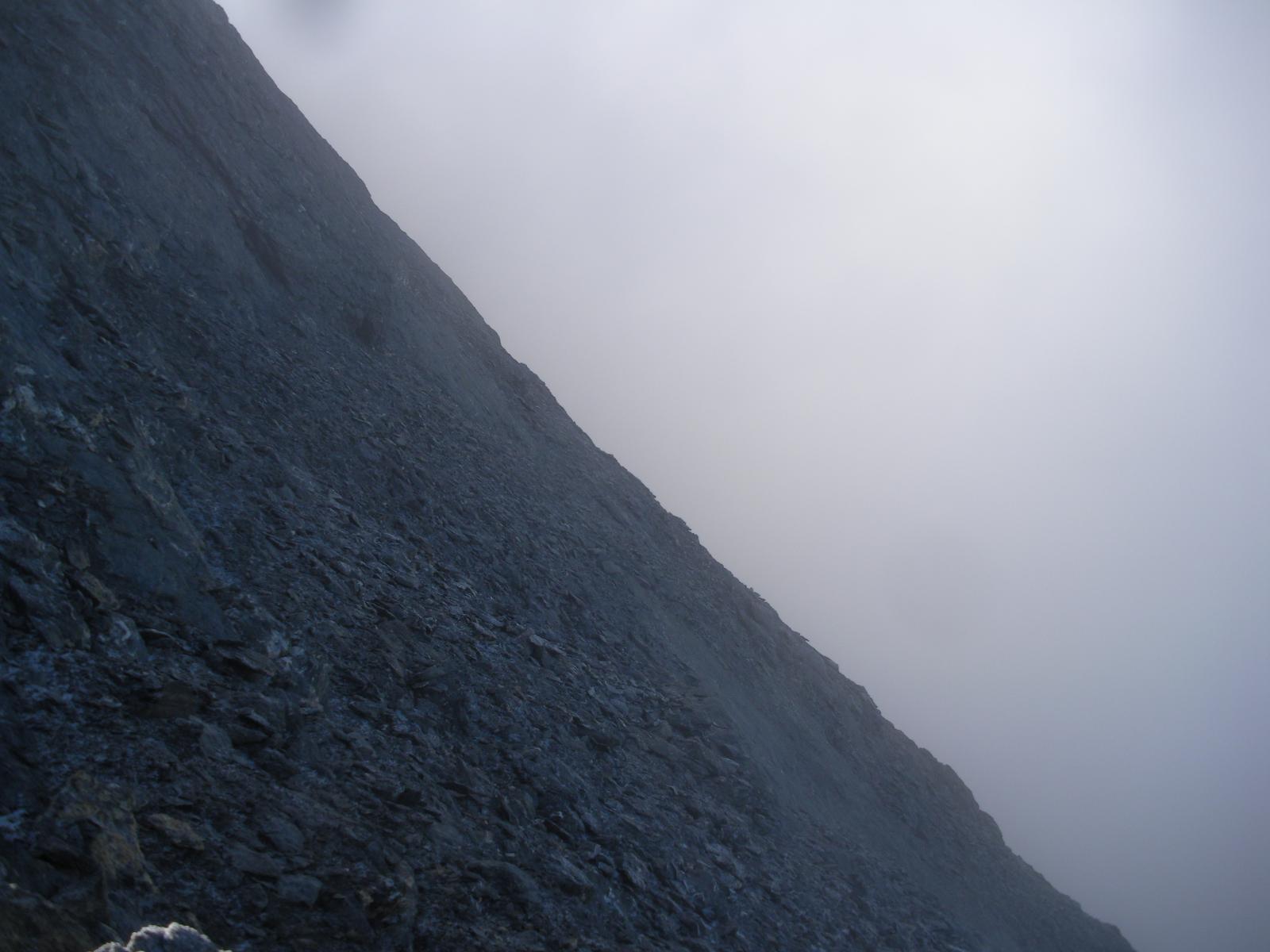 ..nella parte alta in ombra e nella nebbia..