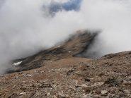 03 - dalla cima al colle, sfaciumi appoggiai su placche rocciose