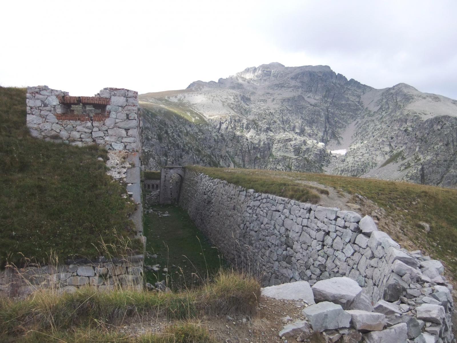 Rocca dell'Abisso dal Forte Giaura