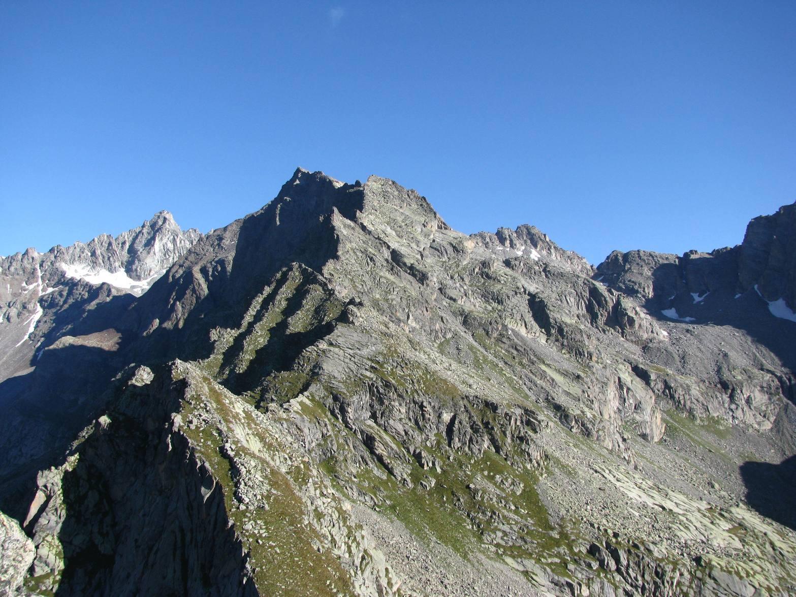 Dalla cresta del Cialmanova, la Becca di Valsoera
