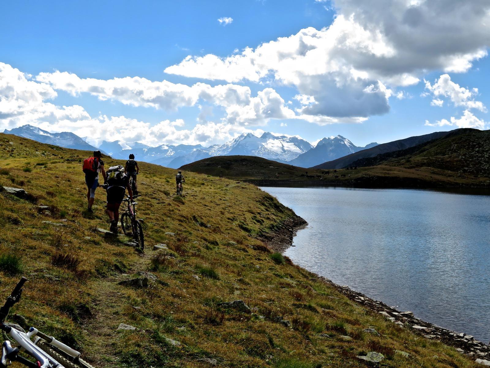 il Lago FALLERE, poco prima di giungere al Rif omonimo