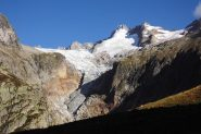 Da poco prima del Rif. Elena il Mont Dolan, col il ghiacciao del Pre de Bar
