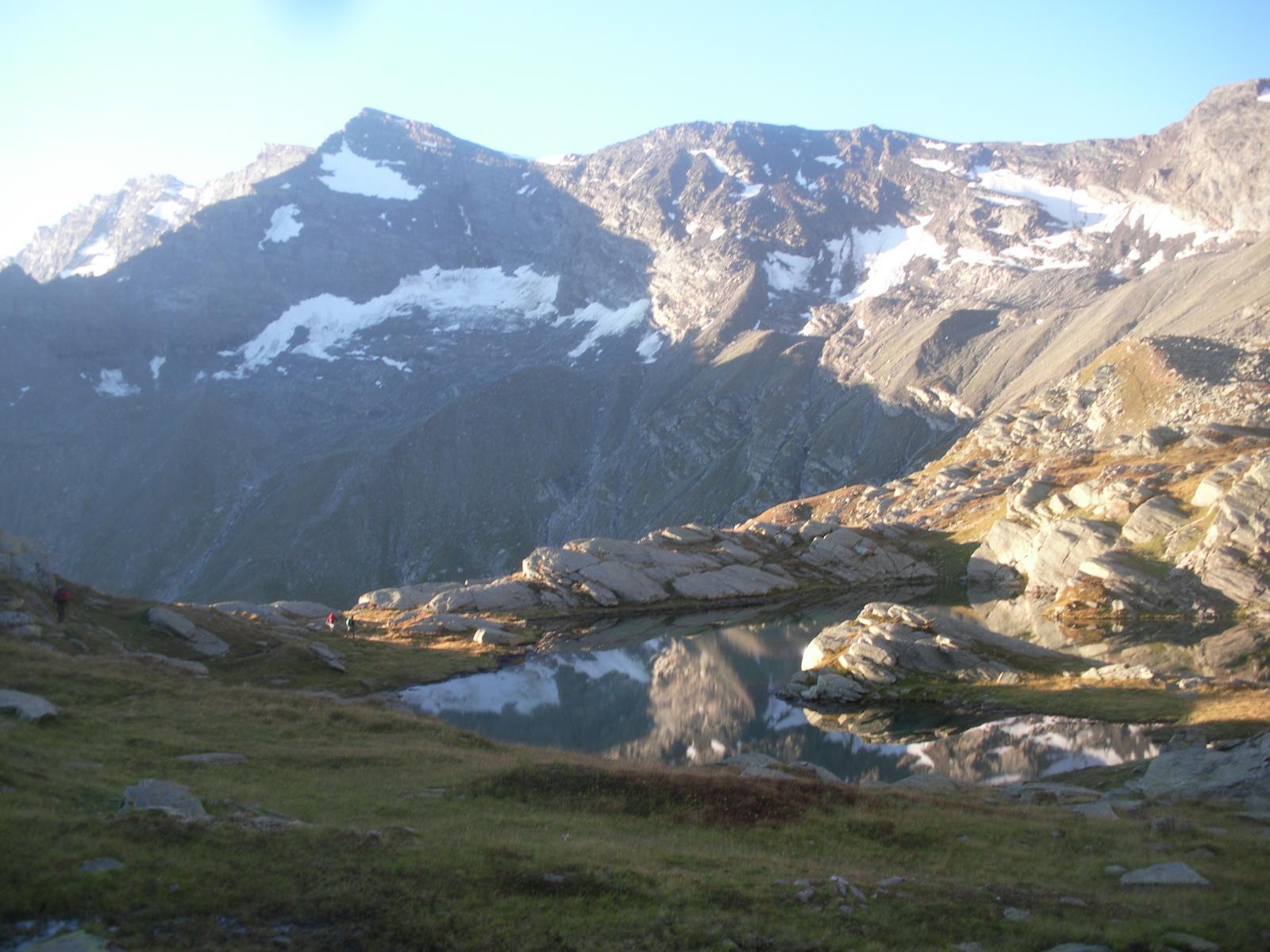 La Punta dell'Uja dal Lago delle Roccie..