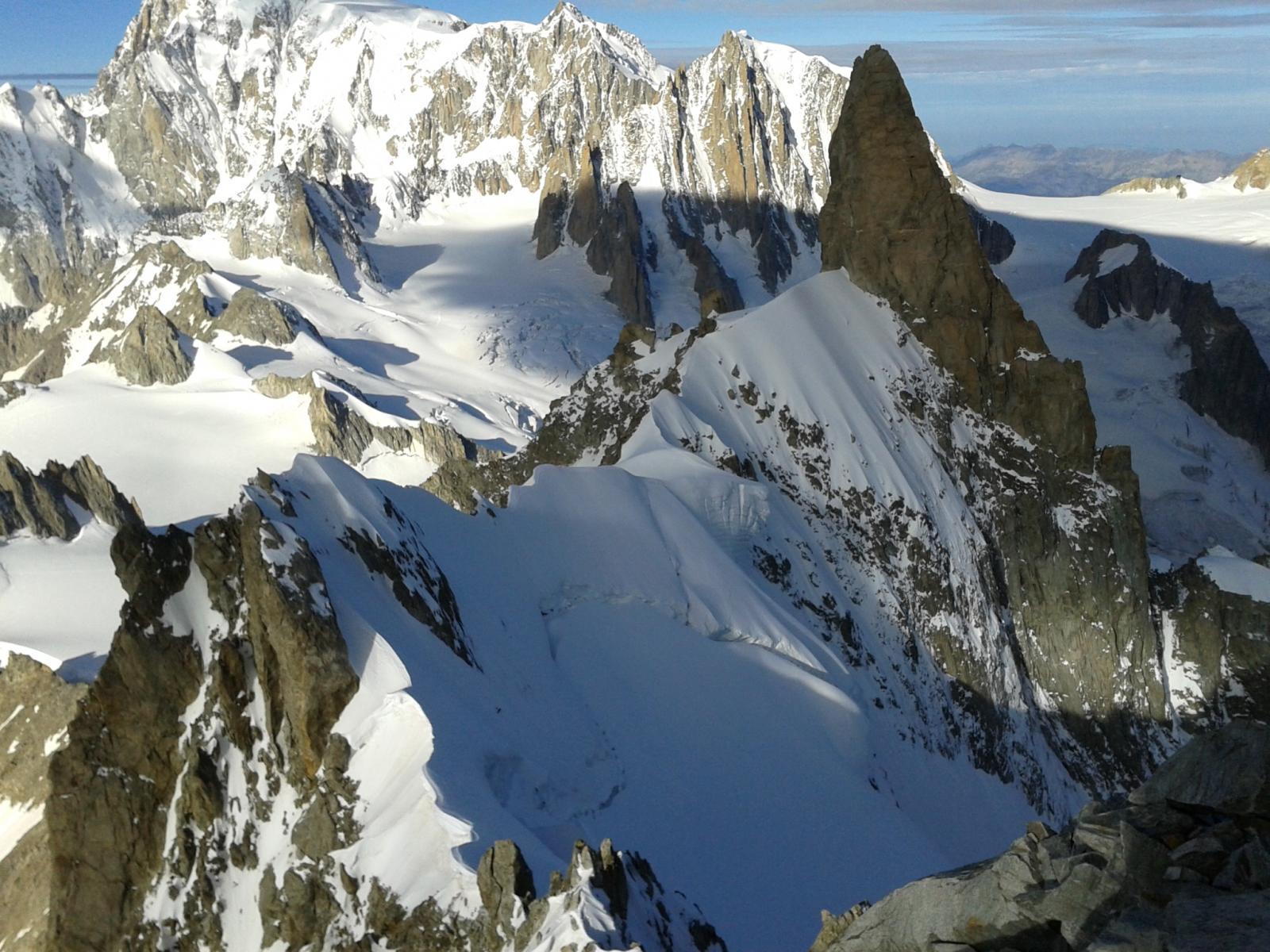 La cresta di Rochefort vista dalla cima dell'Aig. de Rochefort