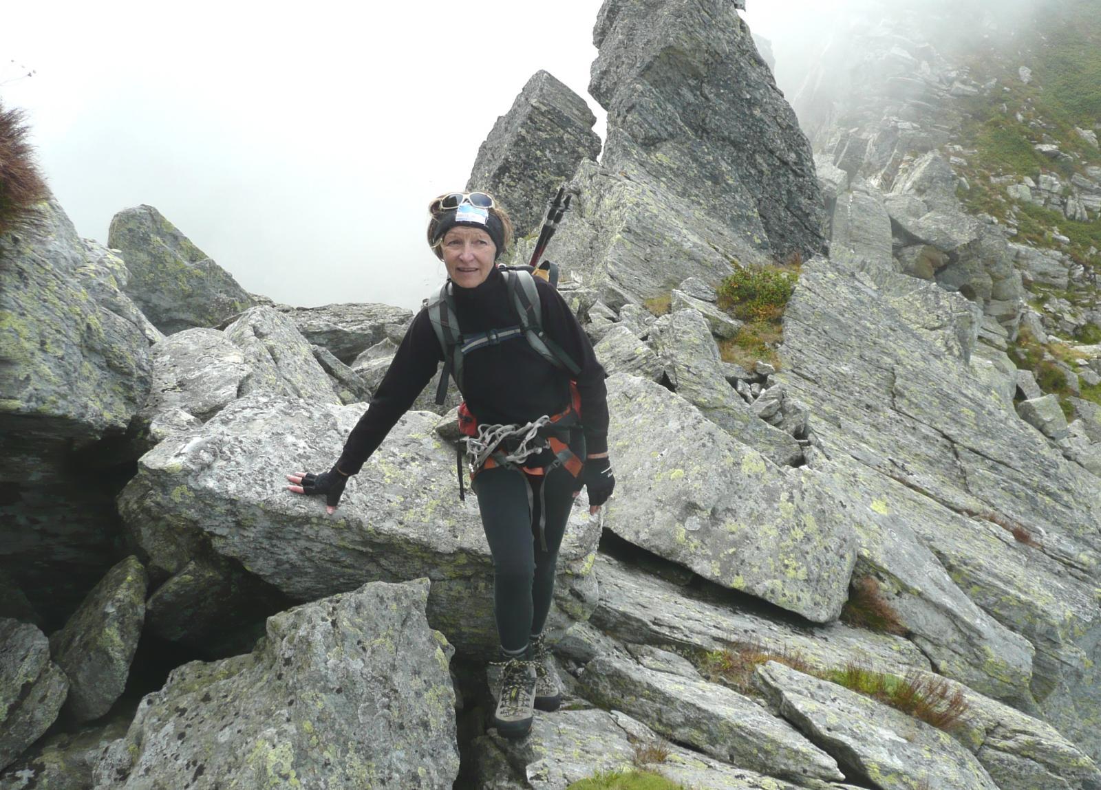 Germana, già in tenuta alpinistica all'inizio della traversata