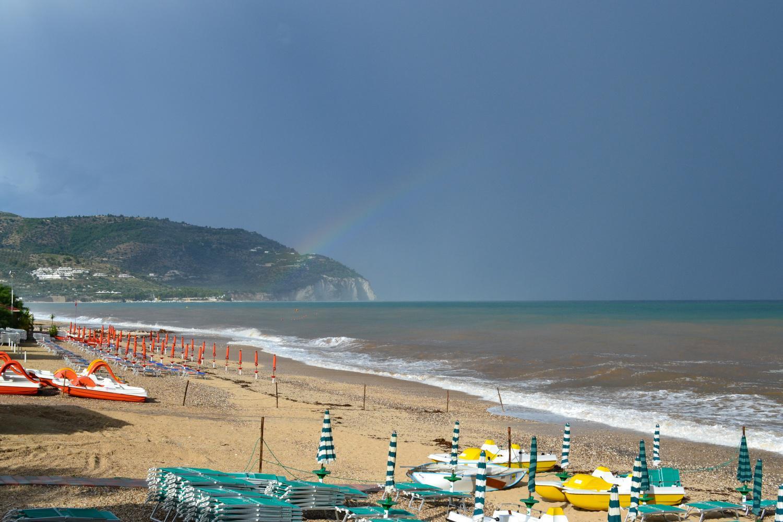 arcobaleno dopo il furioso temporale