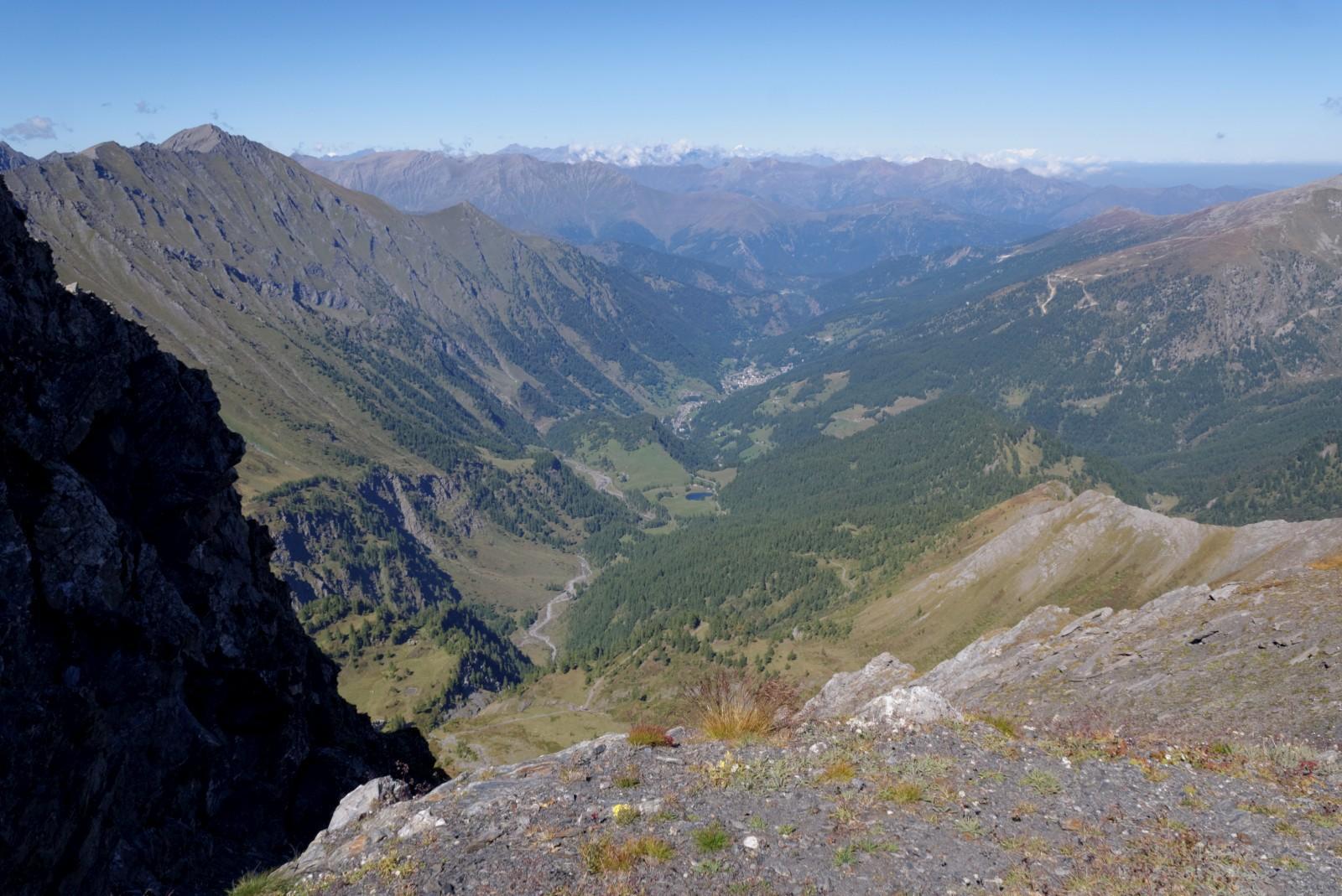 Vista verso Prali dal colle Gran Guglia