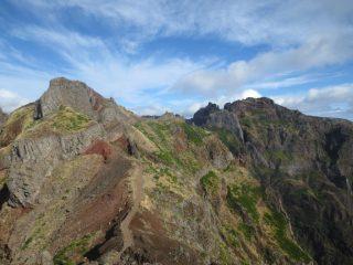 laggiù a destra Il Pico Ruivo