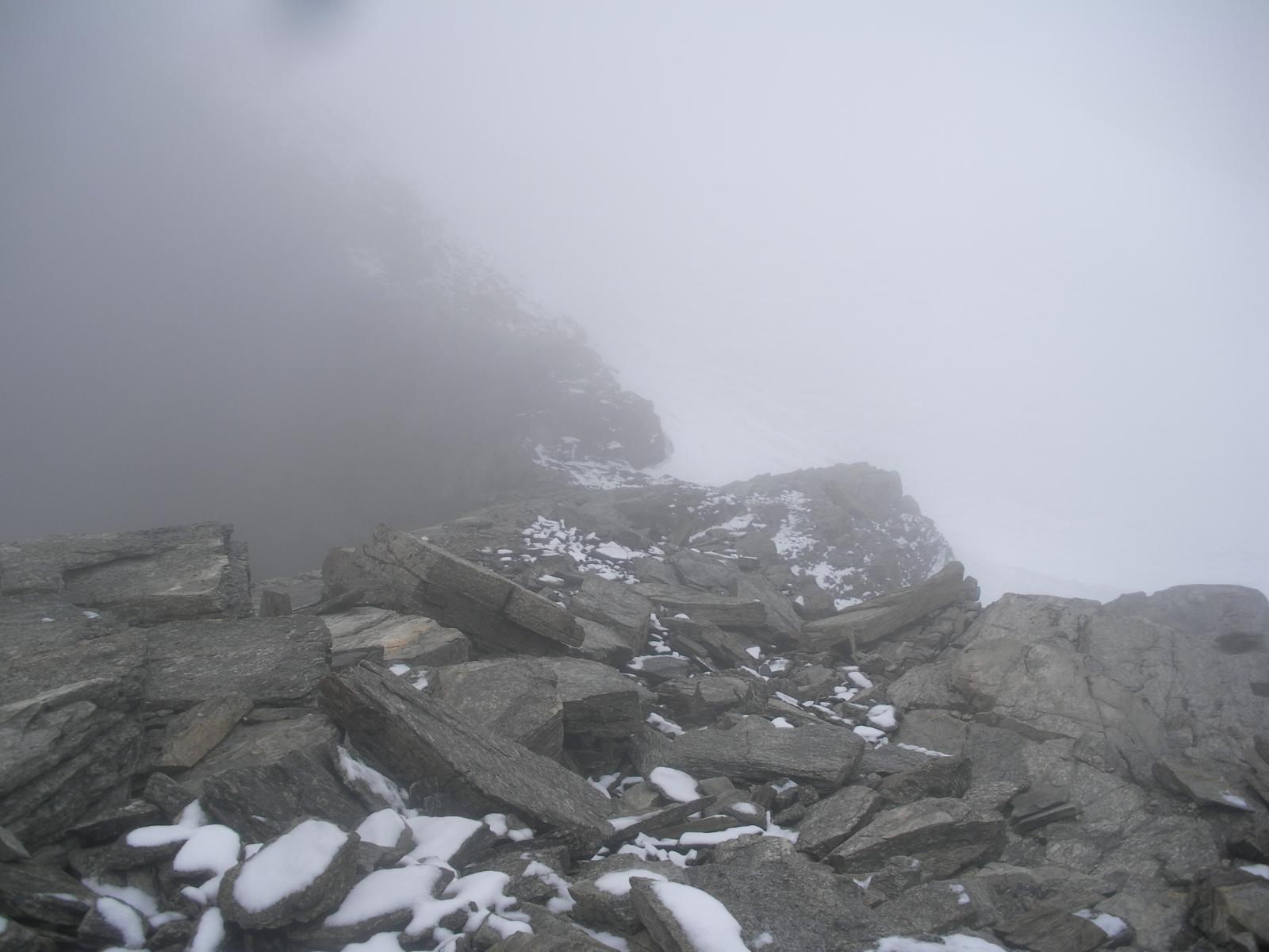 al passo delle Disgrazie nella nebbia piu' totale..