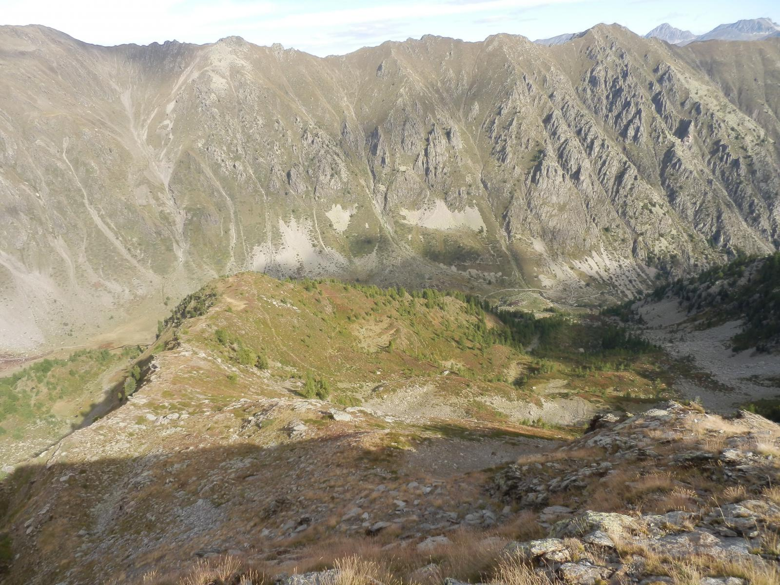 vista sui due Valloni dell'Alpette, sono sceso da quello di dx