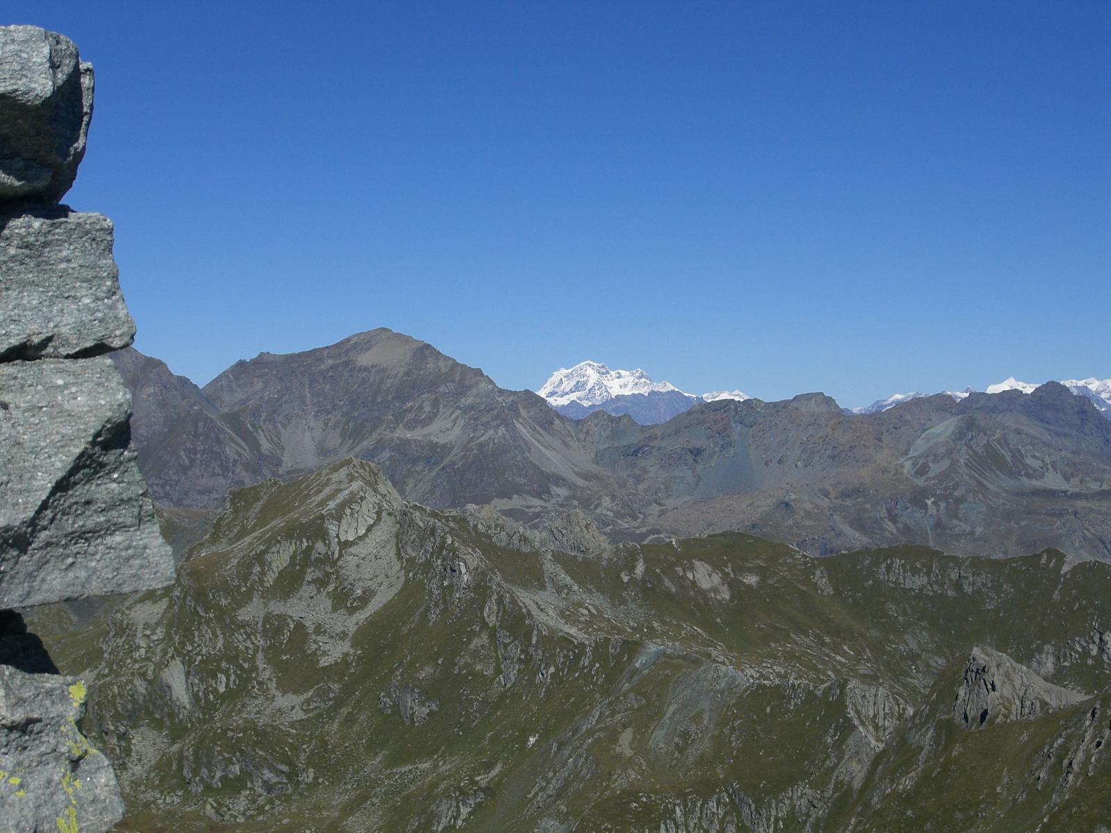 Vista dalla cima fino al Grand Combin