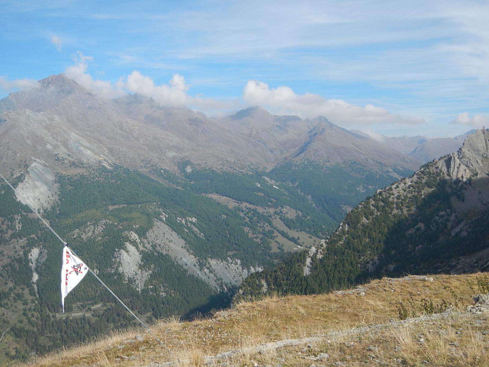 dalla cima vista sulle montagne della Vallle Argentera